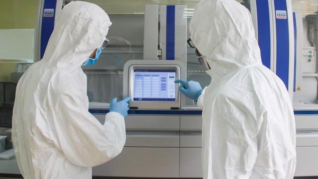 Cơ quan y tế của tỉnh Quảng Ninh đang tiến hành xét nghiệm Covid-19 đối với 2 người Trung Quốc nhập cảnh trái phép.