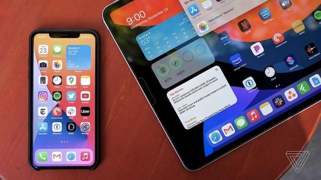 iOS mới khiến hàng loạt iPhone cũ bị hao pin