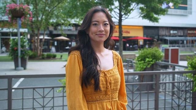 Cách một cô gái gốc Việt 24 tuổi kiếm và tiêu tiền tại Mỹ