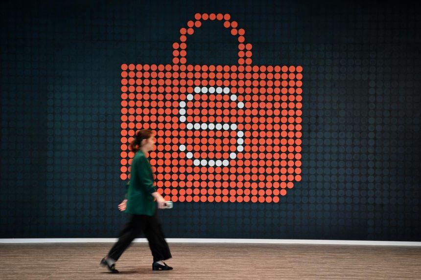 Công ty mẹ của Shopee muốn huy động 2 tỷ USD bằng cách chào bán cổ phiếu ở Mỹ