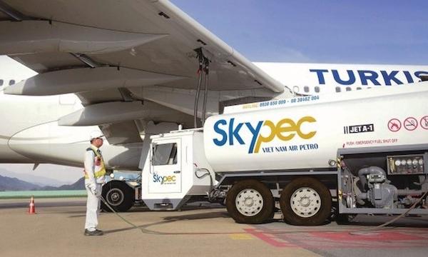 Tiếp tục giảm thuế môi trường với nhiên liệu bay, gỡ khó cho ngành hàng không