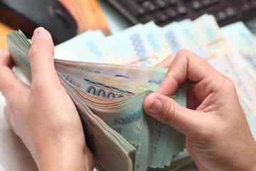 Doanh nghiệp giảm phát hành trái phiếu, quay lại với kênh tín dụng