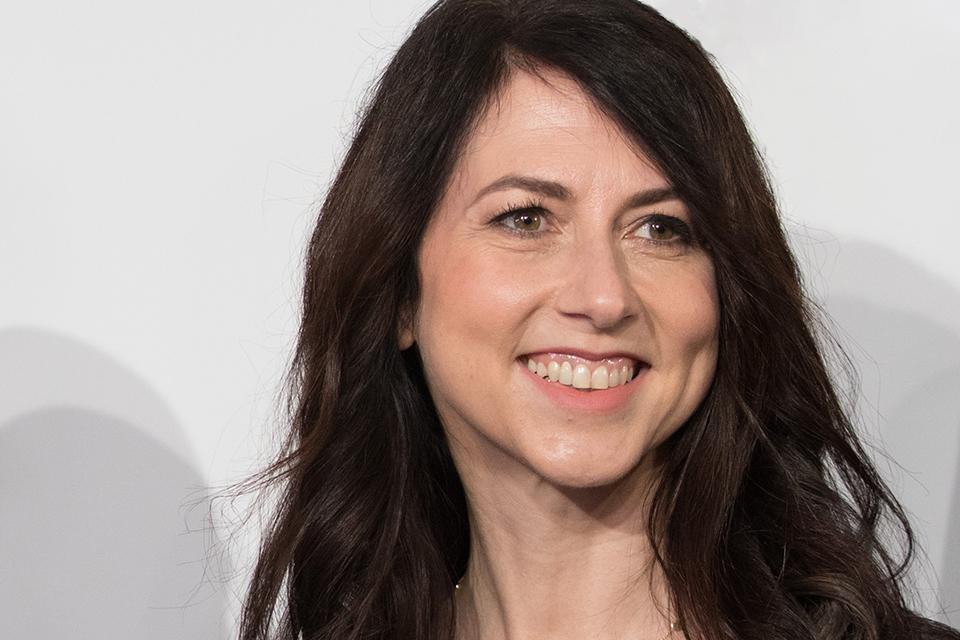 12 nữ tỷ phú quyền lực nhất thế giới: Vợ cũ Jeff Bezos thay vị trí của CEO Vietjet