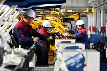 Sản lượng công nghiệp Trung Quốc tháng 11 cao nhất trong 20 tháng