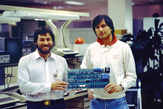 7 nhà đầu tư bán cổ phiếu Apple cách đây 40 năm và bỏ lỡ hàng tỷ USD