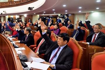 Bỏ phiếu biểu quyết giới thiệu nhân sự tham gia Bộ Chính trị, Ban Bí thư