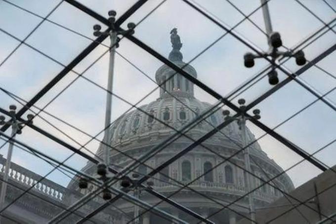 Quốc hội Mỹ gia hạn ngân sách ngăn chính phủ đóng cửa
