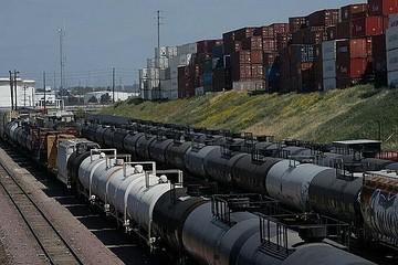 Cuộc khủng hoảng chưa từng có tiền lệ của dầu thô