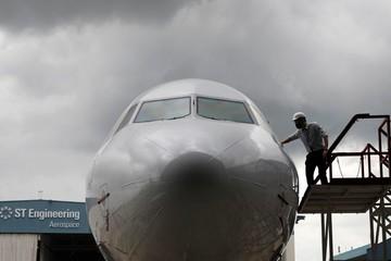 Cải tạo phi cơ cũ thành máy bay chở hàng - 'canh bạc' mới của hàng không thế giới