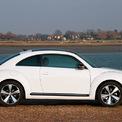 """<p class=""""Normal""""> <strong>VW Beetle</strong><br /><br /> Xe con bọ Beetle là chiếc xe hơi đầu tiên mà hãng Volkswagen chế tạo. Đây cũng là một trong những mẫu xe thành công nhất trong lịch sử ngành sản xuất ô tô. Từ khi ra mắt vào năm 1945, tới nay đã có hàng chục triệu chiếc Beetle được bán ra trên toàn thế giới.</p> <p class=""""Normal""""> Tuy nhiên, Volkswagen cũng phải chia tay chiếc xe huyền thoại này vào năm 2020. Hiện tại, khách hàng chỉ có thể chọn mua các mẫu SUV phỏng theo kiểu dáng của Beetle mà thôi.<span style=""""color:rgb(34,34,34);"""">(Ảnh:</span><em style=""""color:rgb(34,34,34);"""">Autocar</em><span style=""""color:rgb(34,34,34);"""">)</span></p>"""