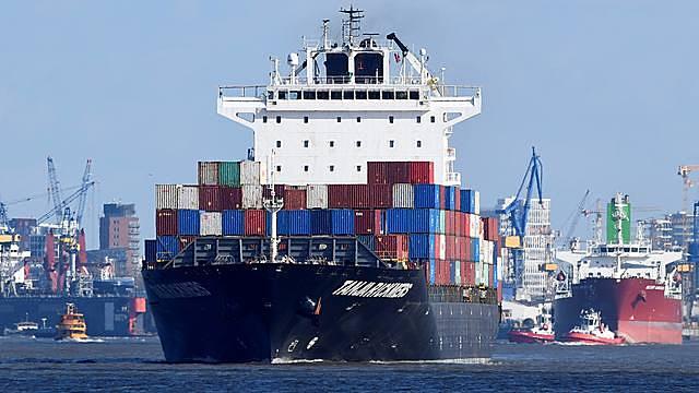 Cảng Hamburg, Đức. Ảnh: Reuters.