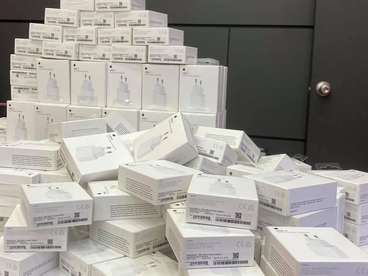 Người Việt phải bỏ thêm 1,78 triệu đồng để mua phụ kiện cho iPhone