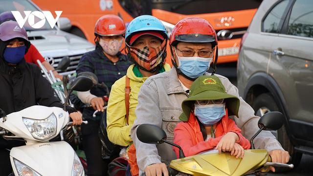 Lo ngại 'phí chồng phí' khi thu tiền kiểm soát khí thải xe máy