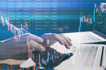 Thị trường chứng khoán 'thăng hoa', hàng loạt doanh nghiệp đưa cổ phiếu lên sàn