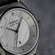Peugeot ra mắt 3 mẫu đồng hồ đeo tay, giá dưới 200 USD