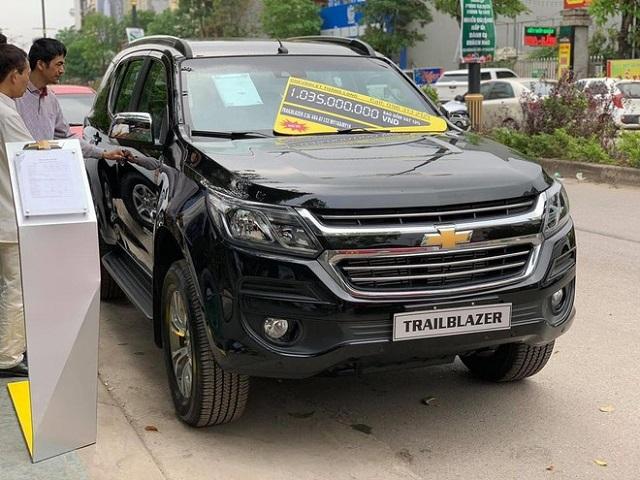 Chevrolet Trailblazer tiếp tục giảm giá 'sốc' 300 triệu đồng tại Việt Nam