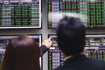Nhận định thị trường ngày 24/12: Hạn chế 'lòng tham'