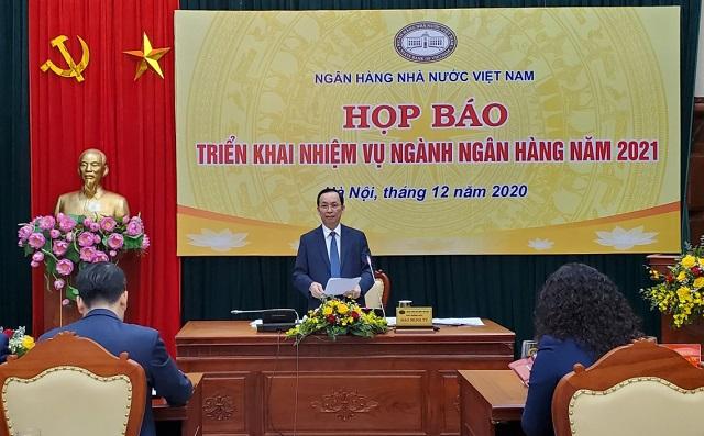 Phó Thống đốc Đào Minh Tú tại buổi họp báo. Ảnh: L.H.
