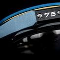 """<p class=""""Normal""""> Đồng hồ được làm từ vật liệu dùng để sản xuất môtô MV Agusta như titan, nhôm 7075, sợi carbon và thép. Sản phẩm cũng được bổ sung thêm các chất liệu sang trọng như da Alcantara hay đá sapphire.</p>"""