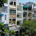 <p> Ngôi nhà nằm trong khu dân cư điển hình của quận Bình Thạnh, TP HCM, được cải tạo lại để tạo ra một không gian sống tốt hơn cho gia chủ.</p>