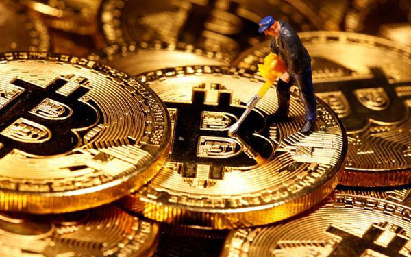 Bitcoin lập tiếp đỉnh cao mới: Vượt 28.000 USD