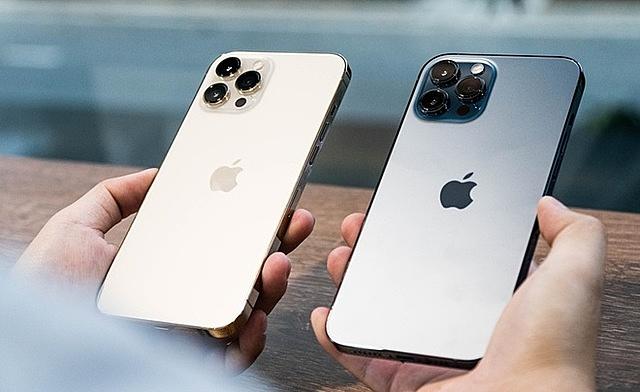 Nhiều mẫu iPhone chính hãng đang khan hàng tại Việt Nam.