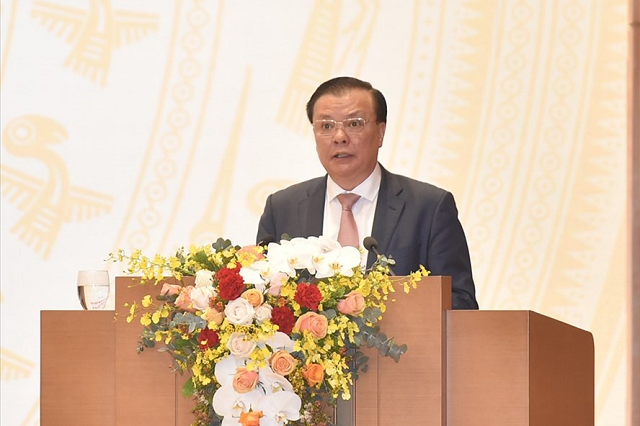 Bộ trưởng Tài chính Đinh Tiến Dũng phát biểu tại Hội nghị. Ảnh Quang Hiếu