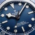 <p> Thiết kế được yêu thích nhờ bộ chuyển động tự lên dây cót MT5402 (COSC) của Tudor, khả năng dự trữ năng lượng trong 70 giờ. Bên cạnh đó, kiểu dáng dây đeo thể hiện nét mạnh mẽ của nam giới. Ảnh: <em>@watchonista.</em></p>