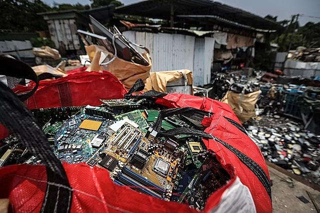 [Rác thải điện tử xuất hiện ở mọi bãi rác trên toàn cầu. Ảnh: Getty.