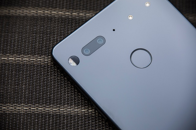 essential-phone-4-4312-1609296387.jpg