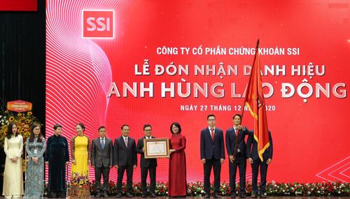 SSI luôn đồng hành, góp sức phát triển thị trường chứng khoán Việt Nam