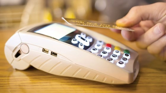 Tiếp tục áp dụng chính sách miễn, giảm phí dịch vụ thanh toán