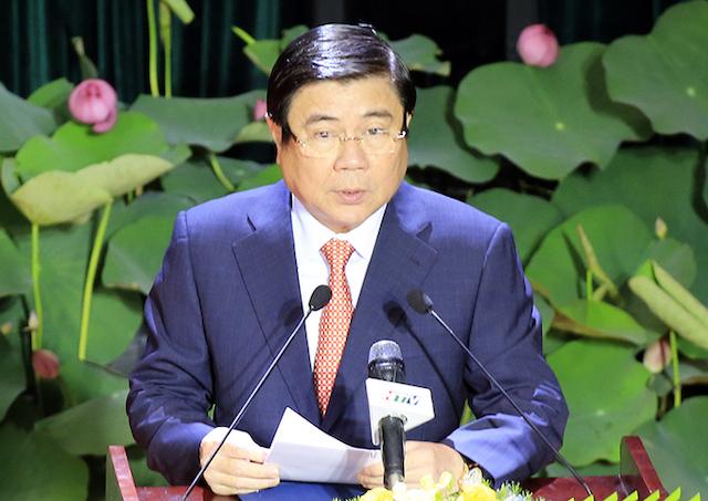 Chủ tịch UBND TP HCM Nguyễn Thành Phong phát biểu tại lễ công bố Nghị quyết 1111 của Uỷ ban Thường vụ Quốc hội sáng 31/12. Ảnh: Hữu Công.