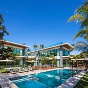 Đặc quyền của gia đình Ivanka Trump ở đảo tỷ phú