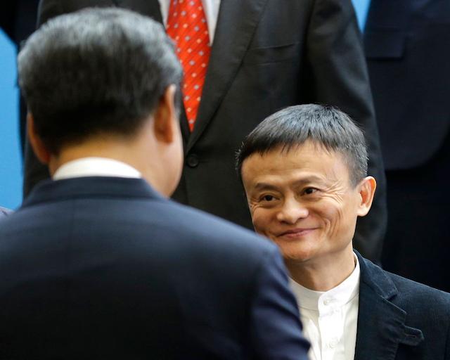 Jack Ma chạm mặt ông Tập năm 2015. Ảnh:Ted S.Warren/Press Pool.