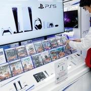 PS5 trở thành máy PlayStation bán chạy nhất lịch sử