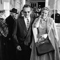 <p> Năm 1935, túi Kelly ra đời với tên gọi Sac à dépêches (tạm dịch: Túi có quai dành cho phụ nữ). Đây là một trong những mẫu phụ kiện có quai đầu tiên và đặt được trên mặt sàn. Ảnh:<em> ELLE.</em></p>