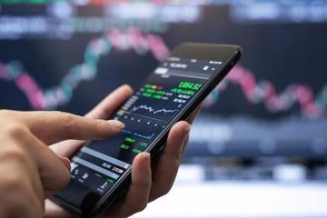 Cổ phiếu ngân hàng nâng đỡ, VN-Index tăng gần 17 điểm