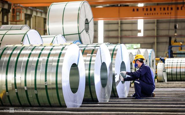 Nhà máy sản xuất thép, ống nhựa Hoa Sen. Ảnh: VnExpress.
