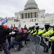 Thêm 3 người thiệt mạng vì vụ bạo loạn ở quốc hội Mỹ