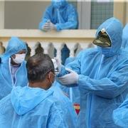 Kỷ luật thêm 2 cán bộ liên quan vụ 'thả nhầm' ca dương tính SARS-CoV-2
