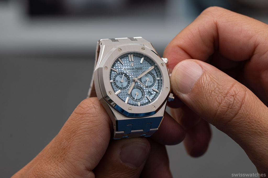 5 mẫu đồng hồ sang trọng có giá hơn 10.000 USD
