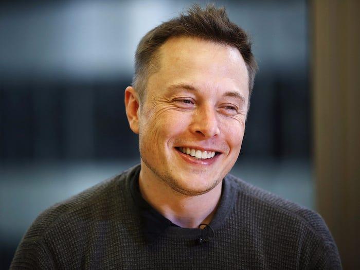 Những thống kê thú vị về khối tài sản 195 tỷ USD của Elon Musk