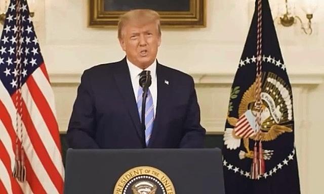Tổng thống Mỹ Donald Trump trong video được đăng trên tài khoản Twitter của ông hôm 7/1. Ảnh: Twitter/realDonalJ.Trump.