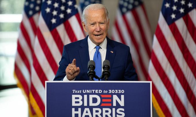 Biden nói Trump 'không đứng trên luật pháp'