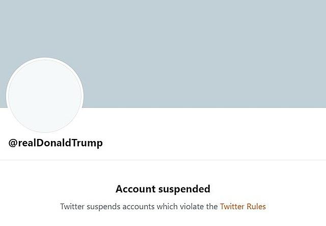 Tài khoản Twitter của ông Donald Trump bị cấm vĩnh viễn trên mạng xã hội vì vi phạm các quy định về kích động bạo lực. Ảnh chụp màn hình.