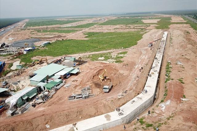 Xây dựng khu tái định cư dự án sân bay Long Thành. Ảnh: Minh Châu.