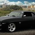 """<p class=""""Normal""""> <strong>5. Chevrolet Camaro SS</strong></p> <p class=""""Normal""""> Camaro SS là một biểu tượng khác của thời đại đó. Chiếc xe được sản xuất từ năm 1966 đến năm 1969. SS không chỉ mạnh mẽ trên đường mà còn tuyệt vời khi nhìn vào với vẻ lịch lãm hiếm có.</p>"""
