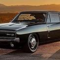 """<p class=""""Normal""""> <strong>4. Dodge Charger</strong></p> <p class=""""Normal""""> Khi nhắc đến những chiếc xe đẹp nhất thập niên 60 mà không kể đến thế hệ thứ hai của Dodge Charger thì thật thiếu sót. Đây được coi là chiếc xe mạnh mẽ hàng đầu của Chrysler vì nó được trang bị động cơ V8 7,2 lít sản sinh công suất 375 mã lực.</p> <p class=""""Normal""""> Điều khiến chiếc xe này trở thành biểu tượng không chỉ là sức mạnh đáng kinh ngạc mà còn là vẻ ngoài bóng bẩy của nó. Mặt sau thon dài và những đường nét tinh tế đã khiến Charger trở thành một trong những chiếc xe đẹp nhất từng được nhìn thấy trên đường phố vào những năm 1960.</p>"""