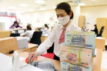 Đột phá về doanh thu ngoài lãi, ngân hàng tăng mạnh lợi nhuận